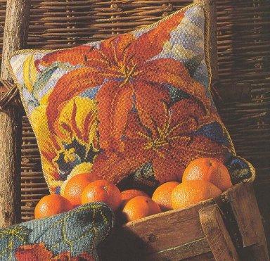 Тигровые лилии - подушка. Цветная схема для вышивки крестиком