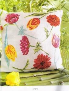 Рукодельки Цветы на белую подушку