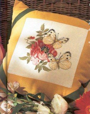 Мои рукодельки Подушка Мак и бабочки